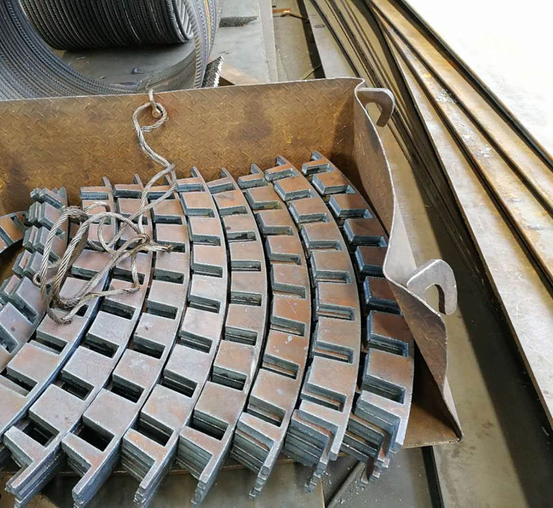钢板切割如何避免出现断裂和变形