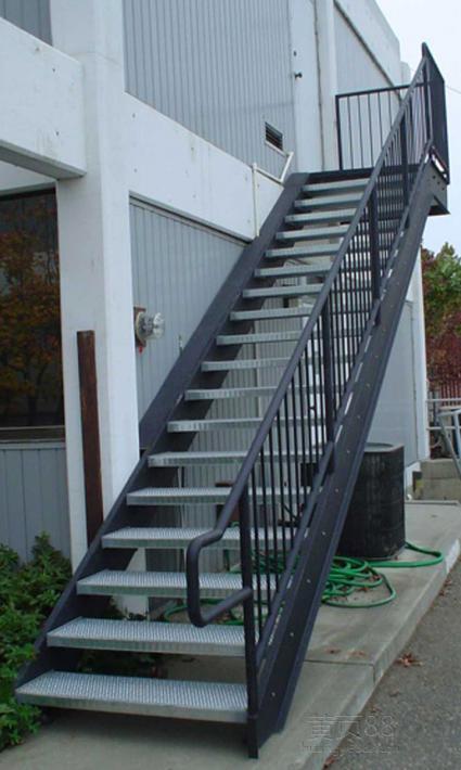 云南钢结构加工厂加工出来的钢架楼梯成品_云南省昆明