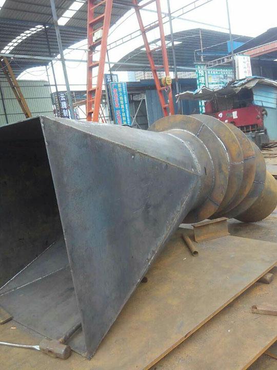焊接天圆地方管