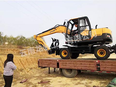 轮胎式挖掘机厂家