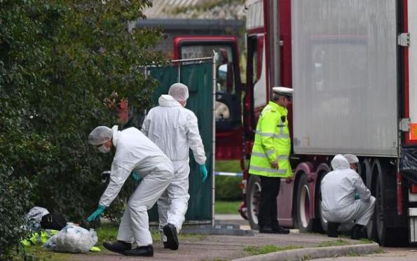 员工食堂承包解说英国境内货车39人死亡案