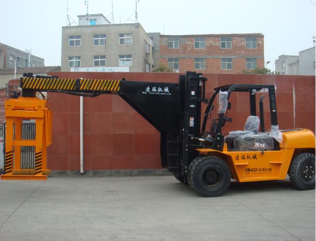5吨红砖抱砖车