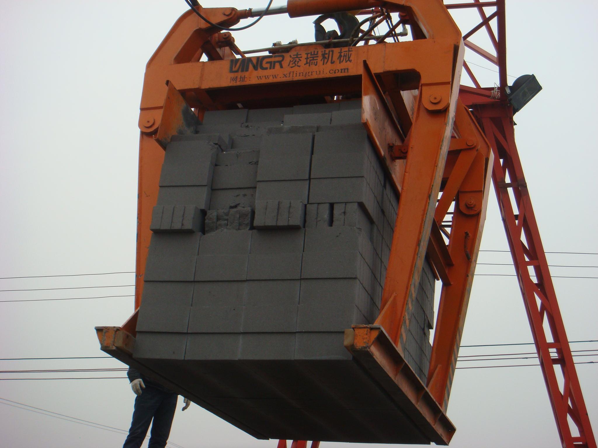 夾磚機在日常使用中具備注意的問題