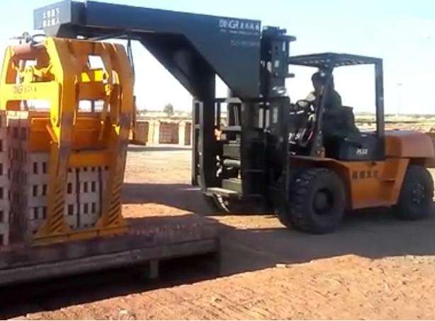 6吨叉车式抱砖车