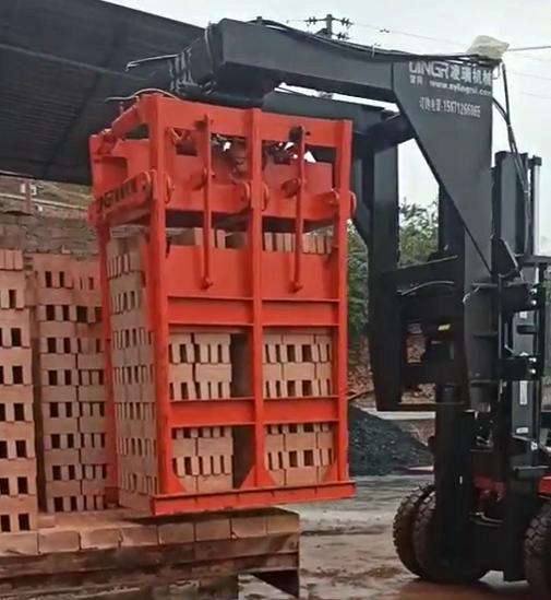 红砖抱砖车