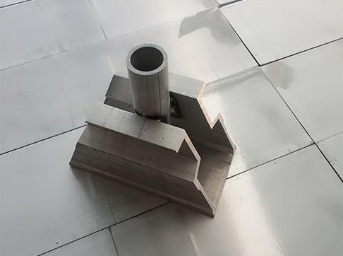 小型铝模构件