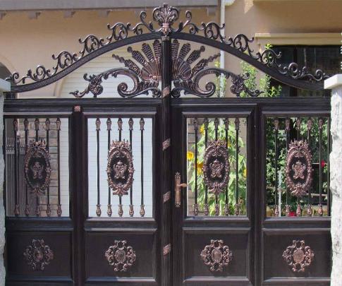 庭院铝艺大门本身具备那些优势