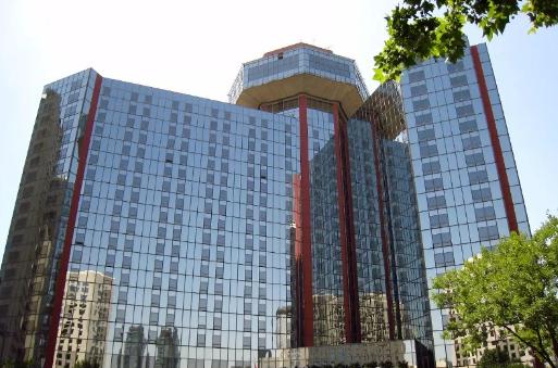 浅谈玻璃和钢结构在建筑上的应用