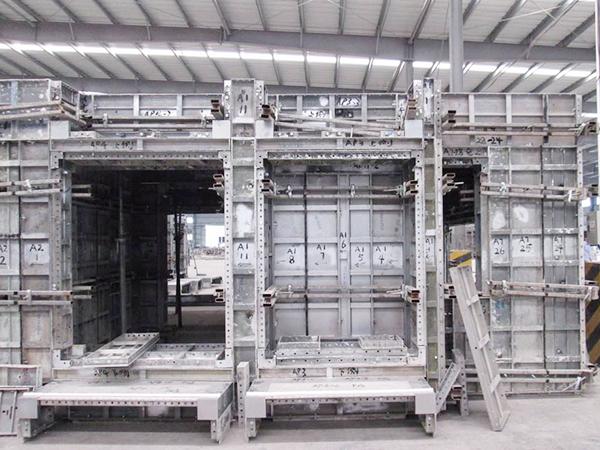 建筑铝合金模板安装