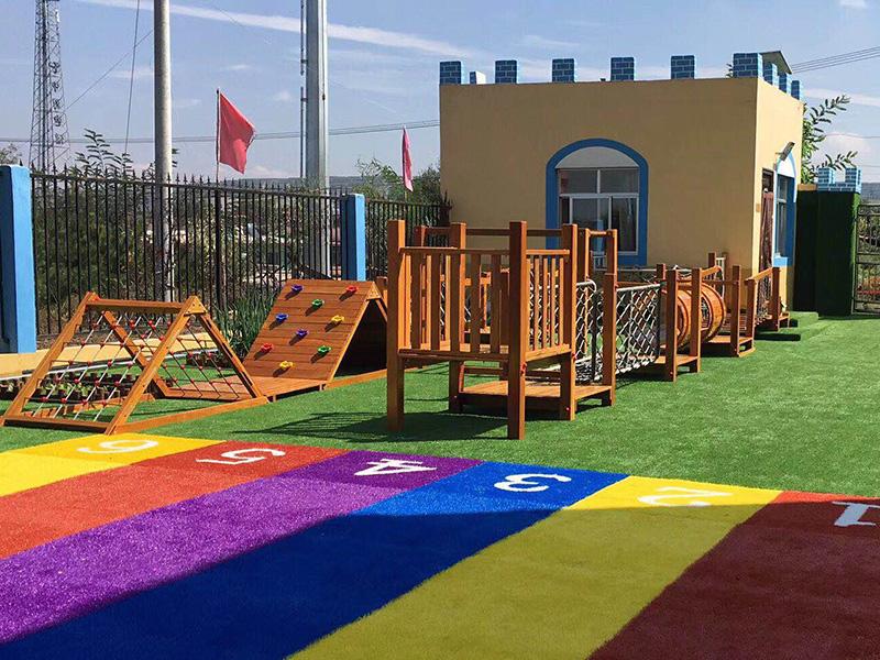 連塔中心幼兒園安裝葡萄架