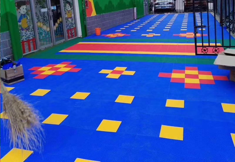 彩色悬浮地板