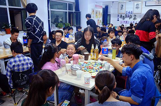 甘肃高考美术培训中心中秋节