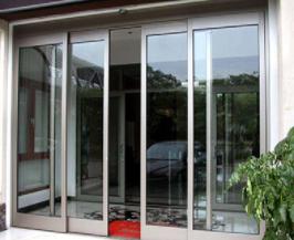 你知道该如何正确安装感应玻璃电动门吗?