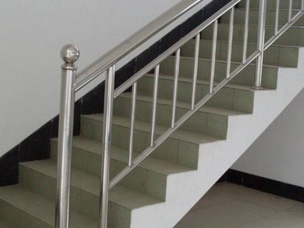 浅谈制造不锈钢栏杆的几大原则是什么?