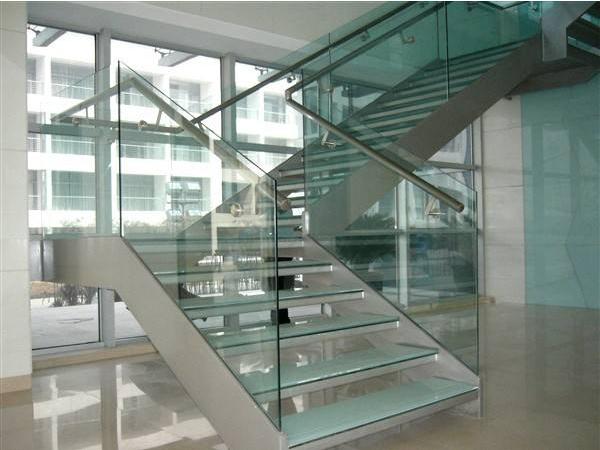 如何安装玻璃栏杆?玻璃栏杆安装的详细步骤