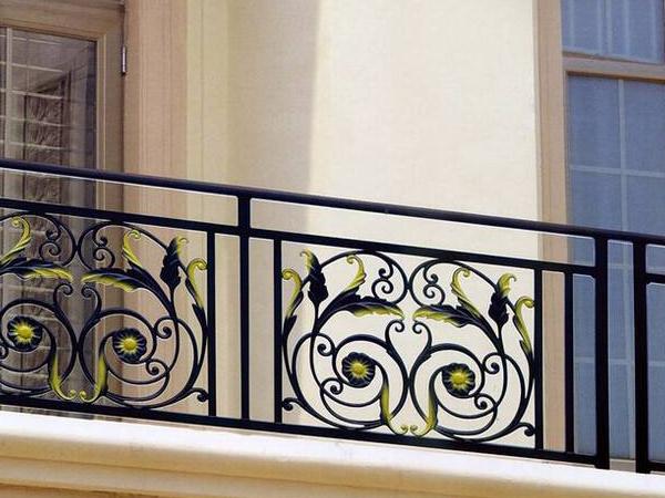 浅谈镀锌铁艺栏杆的特点有哪些?