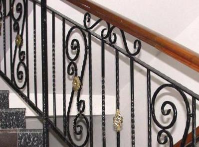 平凉栏杆厂家带您了解铁艺栏杆的质量要求和验收标准