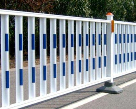 栏杆厂家为您介绍道路护栏的作用是什么?