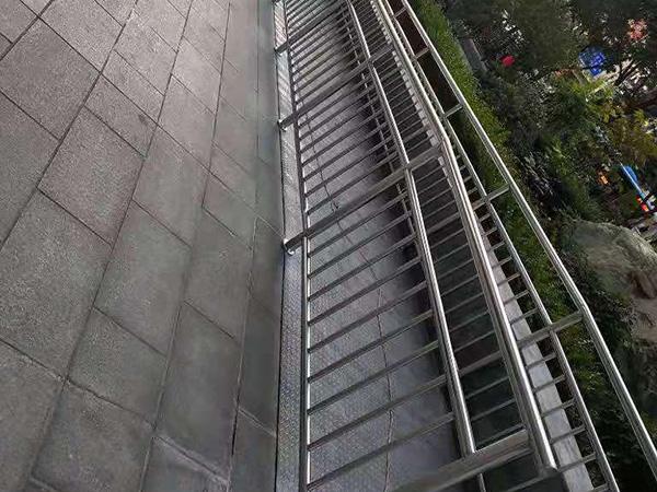 白银不锈钢栏杆