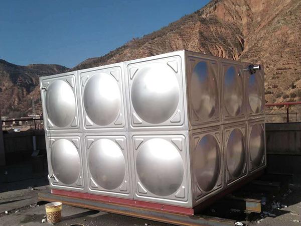2吨保温水箱