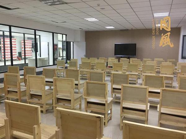 學生畫室環境