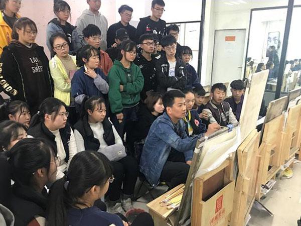 国风色彩名师张万荣现场范画