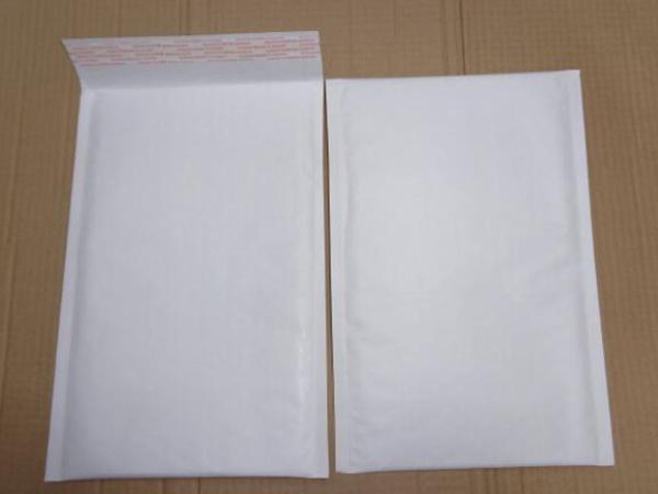 白色快遞袋