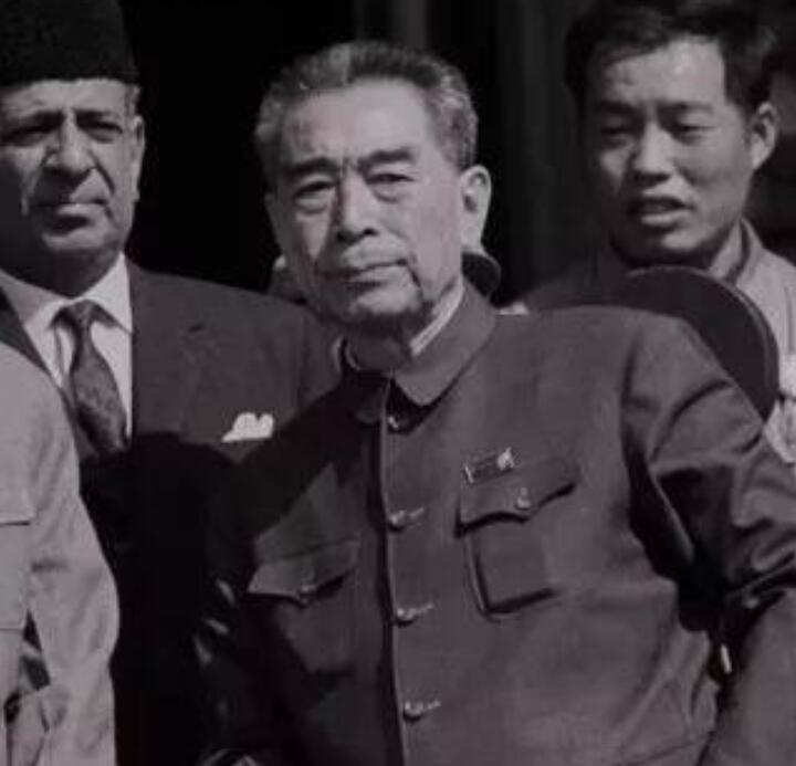 今天是1月8日,广泽小编分享周恩来总理逝世44周年的纪念日事宜