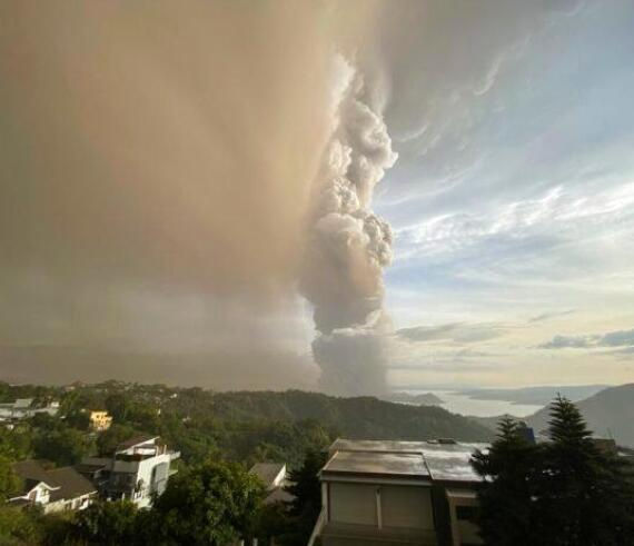 兰州包装纸箱小编带您了解菲律宾火山喷发 杜特尔特专机受影响推迟飞行计划