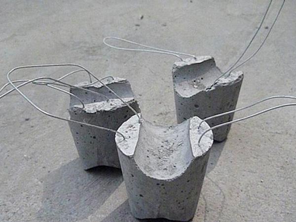 浅谈水泥垫块机设备工艺技能进步
