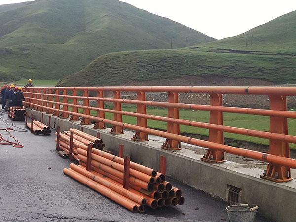 桥梁钢护栏价格