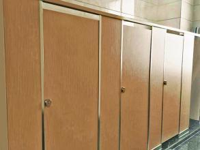 成品卫生间隔断材质都有哪些呢?