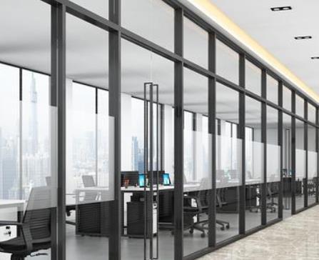 玻璃隔断厂家分享玻璃隔断的特点有哪些?