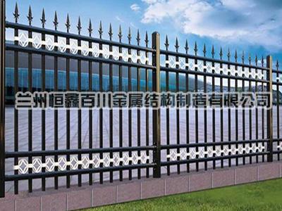 怎样正确选择铁艺栏杆?
