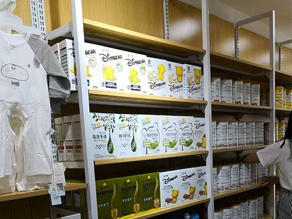 母嬰店貨架材料應該怎么選擇呢?
