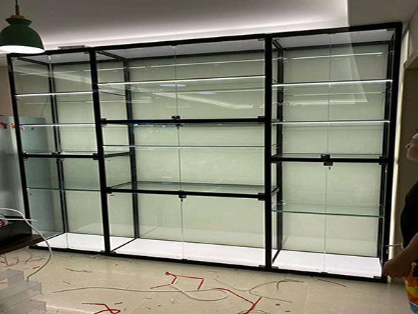 展示柜展示货架功能由武威展示柜厂家为您介绍
