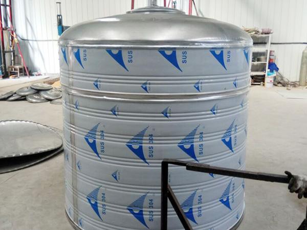 不锈钢圆柱生活水箱