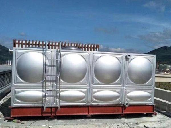 安装不锈钢生活水箱