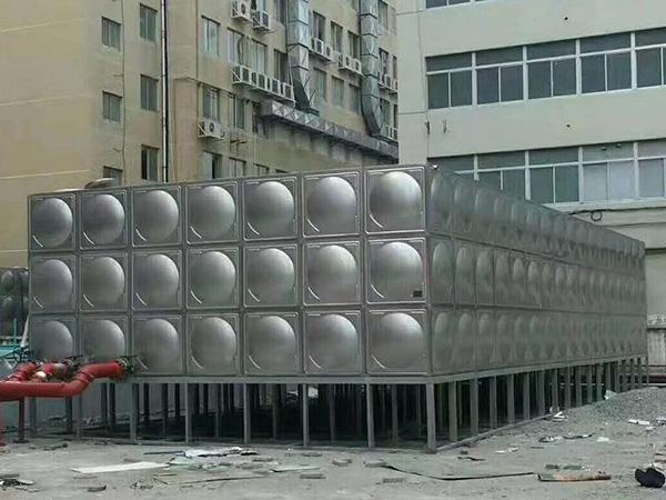 西固小区生活水箱安装