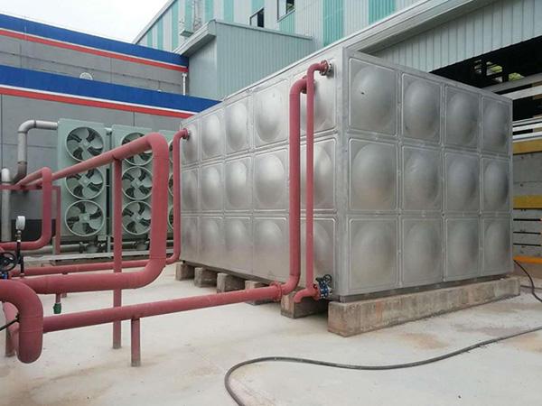 红古区宝方炭科技公司风冷机组-水箱两台