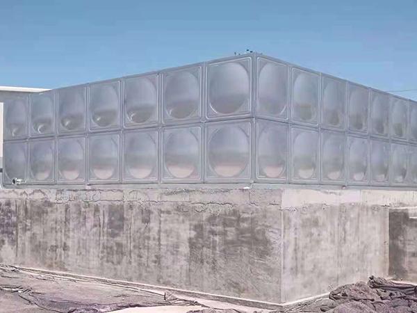 武威市牧原七场不锈钢储水水箱安装