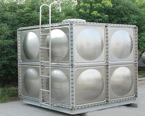 不锈钢水箱现场安装