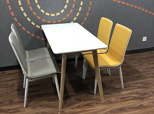 快餐店餐桌椅