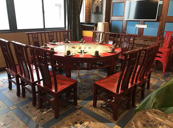 竞博国际注册餐厅桌椅平时该怎么护养?