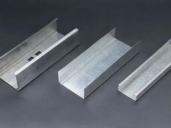 厂家安装轻钢龙骨的注意事项