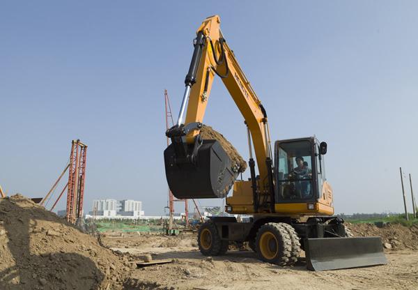 云南小型挖掘机故障处理的四大原则,不要盲目的进行拆卸检查