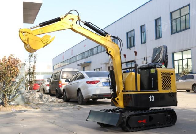 「小型挖掘机」防止液压泵出现磨损的方法