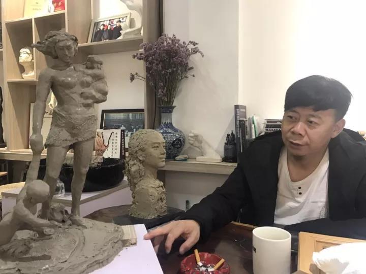 甘肃雕塑家刘文凯:打动自己的作品一直在路上