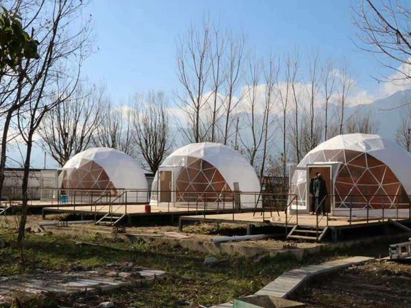 常见的球形活动帐篷的性能特点有哪些?