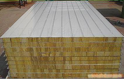 新型巖棉復合板廠家為你提供真實新型復合板產品圖片